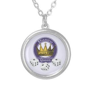 Buncoの女王の王冠およびサイコロ シルバープレートネックレス