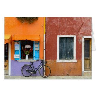 Buranoイタリアの建物はベニスイタリアに近づきます カード