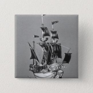 Burghley Nef 5.1cm 正方形バッジ