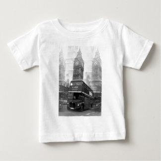 BWのロンドン黒く及び白いバス及びビッグベン ベビーTシャツ
