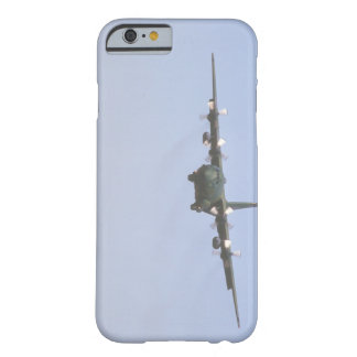 C-130ヘラクレスのapproach_Military航空機 Barely There iPhone 6 ケース