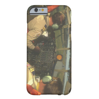 C-130 Hercules_Militaryの航空機の操縦室 Barely There iPhone 6 ケース