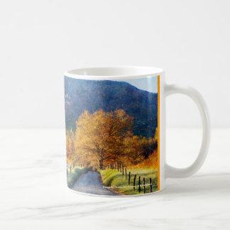 Cadesの入江-生命の道 コーヒーマグカップ
