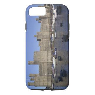 Caernarfonの城、Gwynedd、ウェールズ(RF) iPhone 8/7ケース
