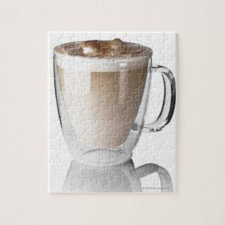 Caffeのラテは、白い背景で、切り取りました ジグソーパズル