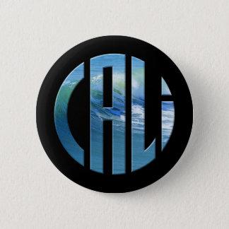 Caliの円の波のロゴ(ライト) 5.7cm 丸型バッジ