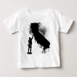 CALIの壁のラベル ベビーTシャツ