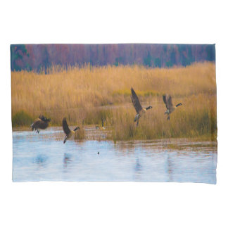Canadian Geese Pillow Cases 枕カバー