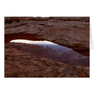 Canyonlandsの国立公園からのメサのアーチI カード