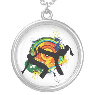 capoeiraの円形のロゴのネックレス シルバープレートネックレス