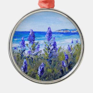 Carmelカリフォルニアのビーチ、ルピナス属、景色の芸術 メタルオーナメント