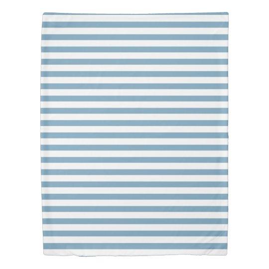 Carolina Blue and White Stripes Personalized 掛け布団カバー