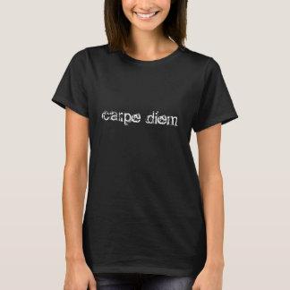 carpeのdiemは日の時のティーのTシャツの上を握ります Tシャツ