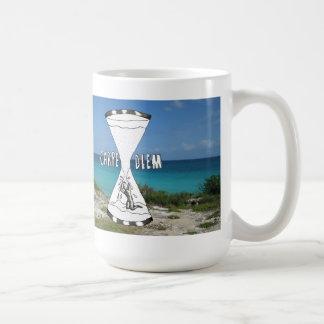 Carpe Diemのビーチ コーヒーマグカップ