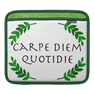 Carpe Diem Quotidie -日を、毎日握って下さい iPadスリーブ