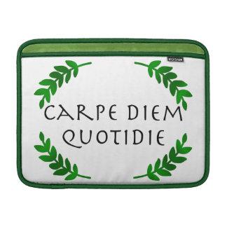 Carpe Diem Quotidie -日を、毎日握って下さい MacBook スリーブ