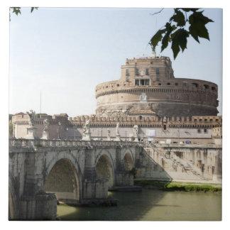 Castel Sant'Angeloはバチカンの近くに置かれます、 タイル