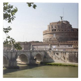Castel Sant'Angeloはバチカン、4の近くに置かれます タイル