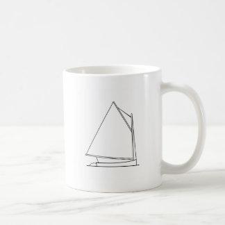 Catboatの航行のロゴ(帆計画) コーヒーマグカップ