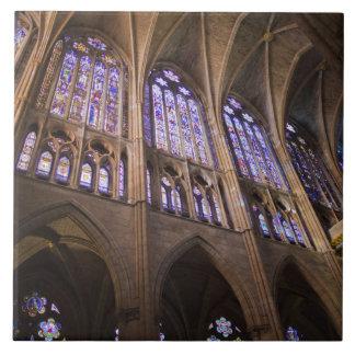 Catedral deレオンのインテリアのステンドグラス窓 タイル