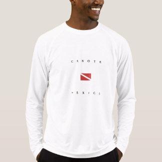 Cenoteメキシコのスキューバ飛び込みの旗 Tシャツ