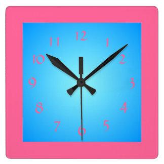 Cericeのピンクの寄宿生の/Blue Face>Wallの時計 スクエア壁時計