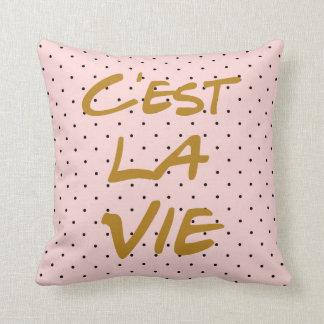 C'estのLaはタイポグラフィの水玉模様の枕を竸います クッション