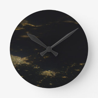 Ceveland鍋ESC_large_ISS026_ISS026-E-へのデトロイト ラウンド壁時計