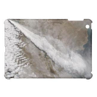 Chaitenの火山、チリの噴火から羽毛をつけて下さい iPad Miniケース
