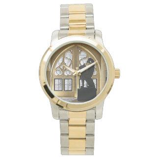 Chateau de Pierrefondsのグリフィンの彫像 腕時計