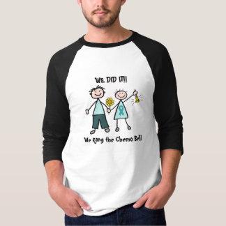 Chemo鐘-卵巣癌のティール(緑がかった色)のリボン Tシャツ