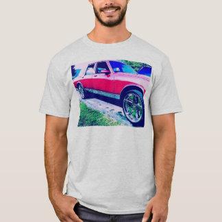 Chevy Ridinの高い灰 Tシャツ