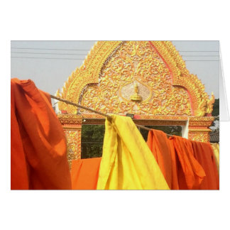 Chiang Mai、タイで乾燥する修道士のローブ カード