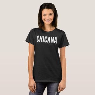 Chicanaの文字のタイポグラフィのTシャツ Tシャツ