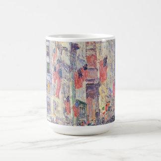 Childe Hassam著第34通りからの道の上 コーヒーマグカップ