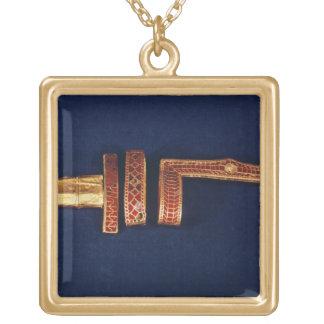 Childeric Iの宝物からの剣のオーナメント( ゴールドプレートネックレス