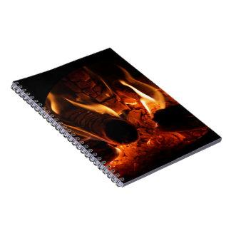Chimeneaの写真のカシの炎 ノートブック