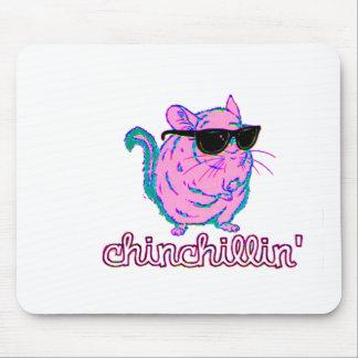Chinchillinのネオンピンクのチンチラ マウスパッド