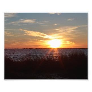 Chincoteagueの島の日没 フォトプリント