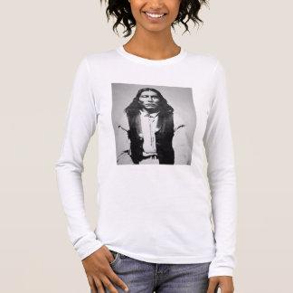 ChiricahuaアパッシュのNaiche (d.1874)の責任者の 長袖Tシャツ