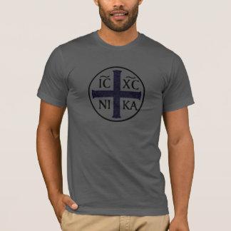 Christogram ICXC NIKAイエス・キリストは征服します Tシャツ