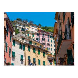 Cinque Terreイタリアのカラフルな家 ポストカード