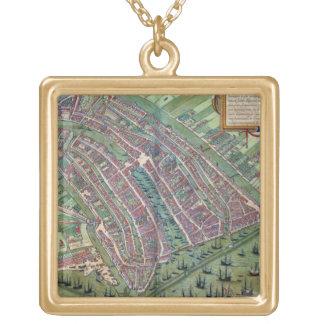 「Civitates Orbis Terrarumからのアムステルダムの地図、 ゴールドプレートネックレス