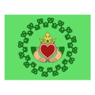 Claddaghおよび緑の結び糸細工 ポストカード