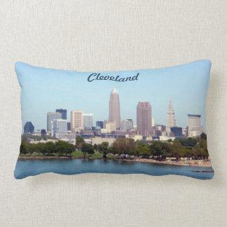 clevelandオハイオ州クラシックな湖のスカイラインの枕 ランバークッション