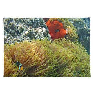 clownfishおよびアネモネ ランチョンマット