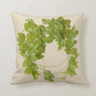 cojín con hojas verdes de enredadera trepadora クッション