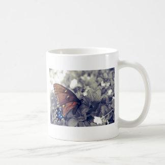 colorized蝶 コーヒーマグカップ