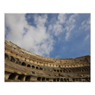 Colosseumのインテリアの広い概観 ポスター