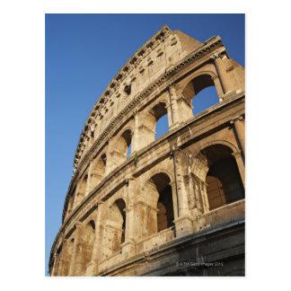 Colosseumの低い角度眺め ポストカード